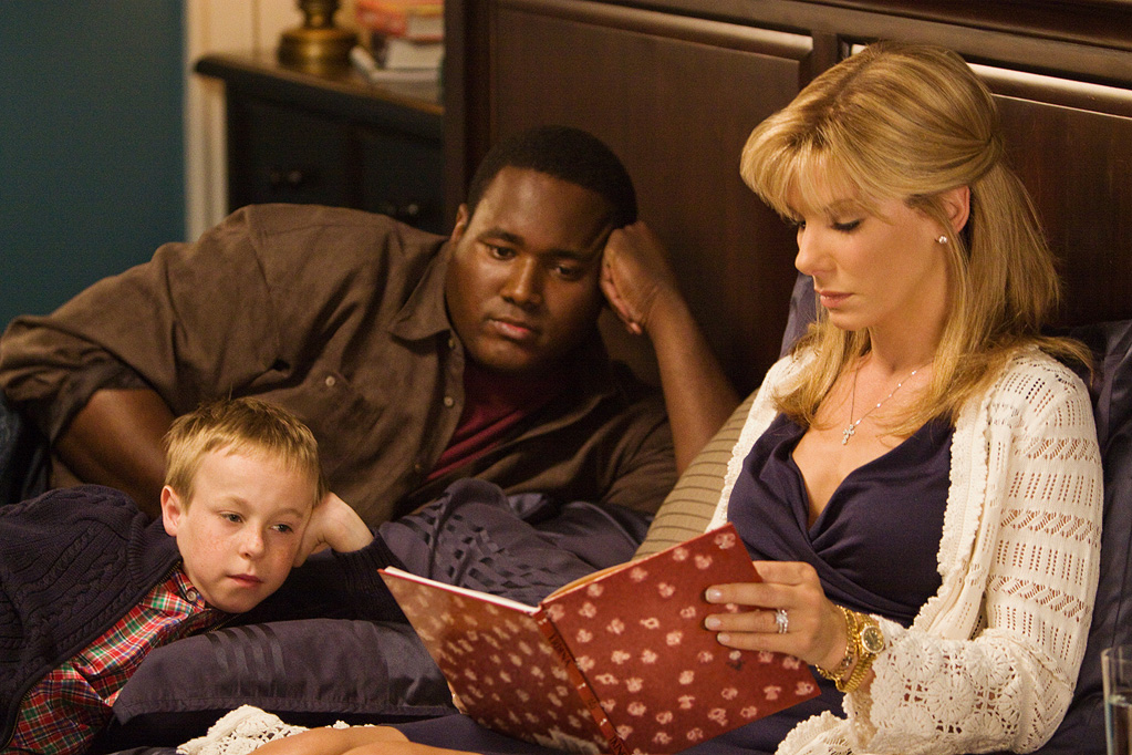 the blind side film rewiew Plot: the story of nfl offensive lineman michael oher (quinton aaron), who, as a homeless teenager, was taken in by a wealthy southern family, the tu.